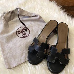 2a44b915361 Hermès oasis black sandals